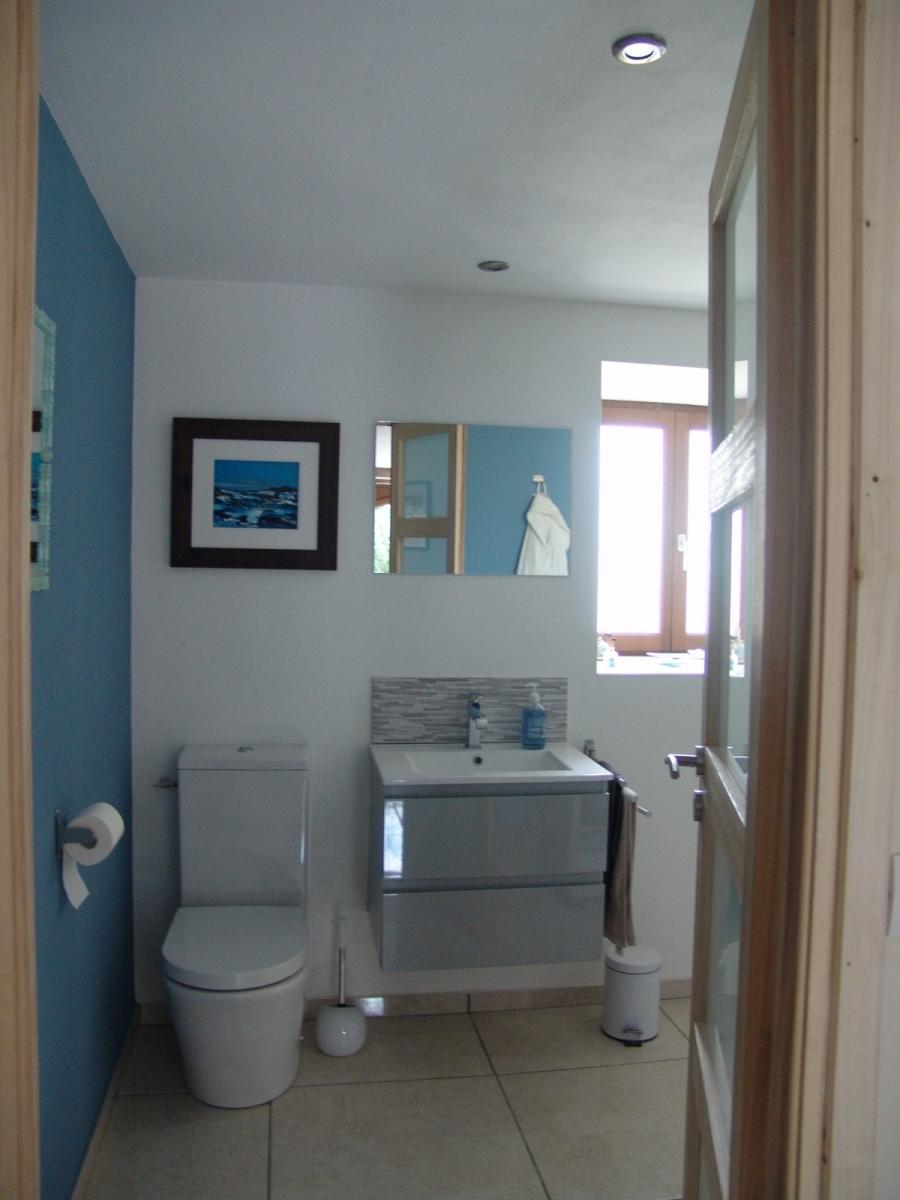 Iona-Bathroom